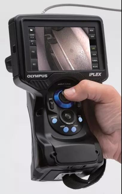 符合人体工学设计的IPLEX G Lite工业内窥镜