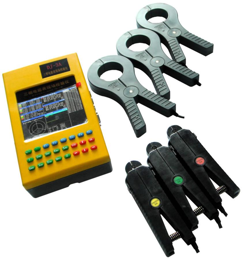 1、三相电压、电流、有功功率、无功功率、视在功率、功率因数、角度、频率等电参数的高精度测量。 2、三相有功和无功感应式、电子式电能表以及其它多种电工仪表的现场校验。 3、两路电能脉冲输入,可同时校验主副表、有功无功表。 4、具有电能累计功能,实现电表走字现场试验。 5、电压输入50-480V自动切换量程,确保测量精度。 6、电流输入有端子和钳表两种方式可选,最大可测电流2000A。 7、向量图实时显示,接线错误瞬间识别,窃电行为尽在掌握。 8、CT变比、比差、角差高精度测量。 9、电压电流波形显示,63
