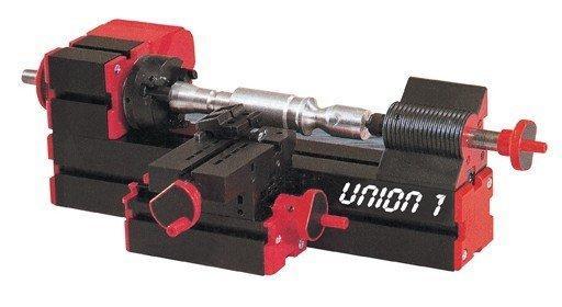 手持: 手持工具配备七种打磨工具,打磨范围非常广泛,打磨空间自由度大,若配上钻头则变成手钻,配上砂轮则变成手磨,配上铣刀则变成手铣,变化多样,操作灵活,使用简单,变压器有过热保护. 技术参数: 1、马达转速:20000转/分钟 2、输入电压/电流/功率/:12VDC/2A/29W 3、加工材料:木质、塑料、软金属(铝,铜等) 4、机身重量分别是:0.