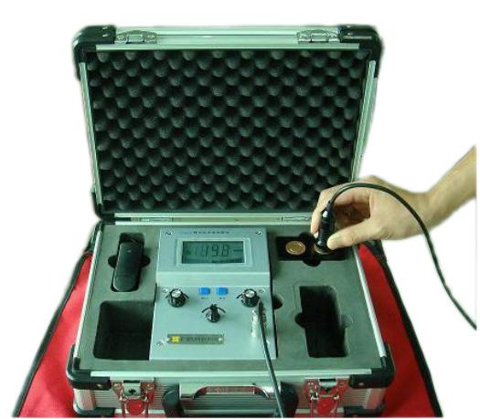 D60K,D500K型数字金属电导率测试仪.可直接测量和分析有色金属材料及其合金的电导率值(如测量银、铜、铝、镁、钛、奥氏体等及其合金的电导率值)。同时也用于间接测量和评价与金属材料电导率有密切关系的参量,如合金识别和验证、热处理状态和热损坏验证、材料力学评估、决定粉末合金零部件的密度等。